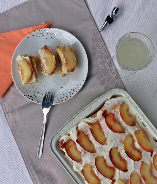 őszibarack joghurt habtejszín porcukor piskóta vanília vaníliás cukor citrom édességek