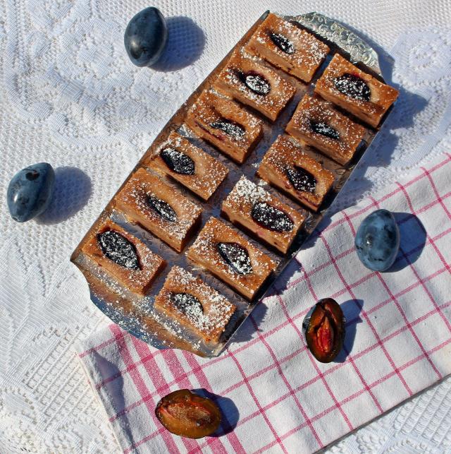 szilva édességek joghurt fahéj kakaópor olaj