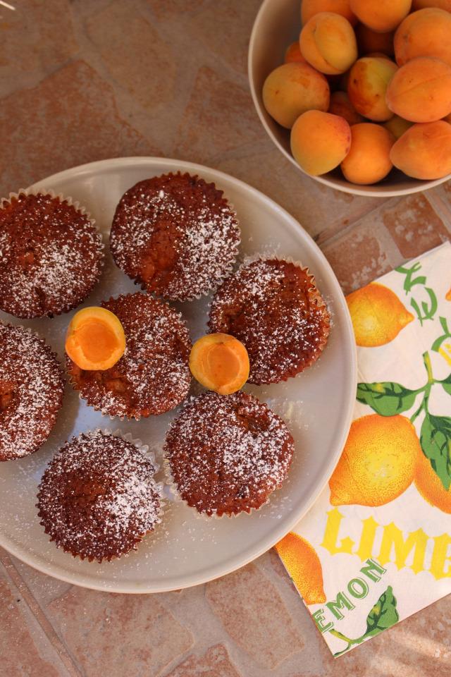 cukor liszt barack sárgabarack tojás csokoládé étcsokoládé gyors muffinok vaj sütőpor