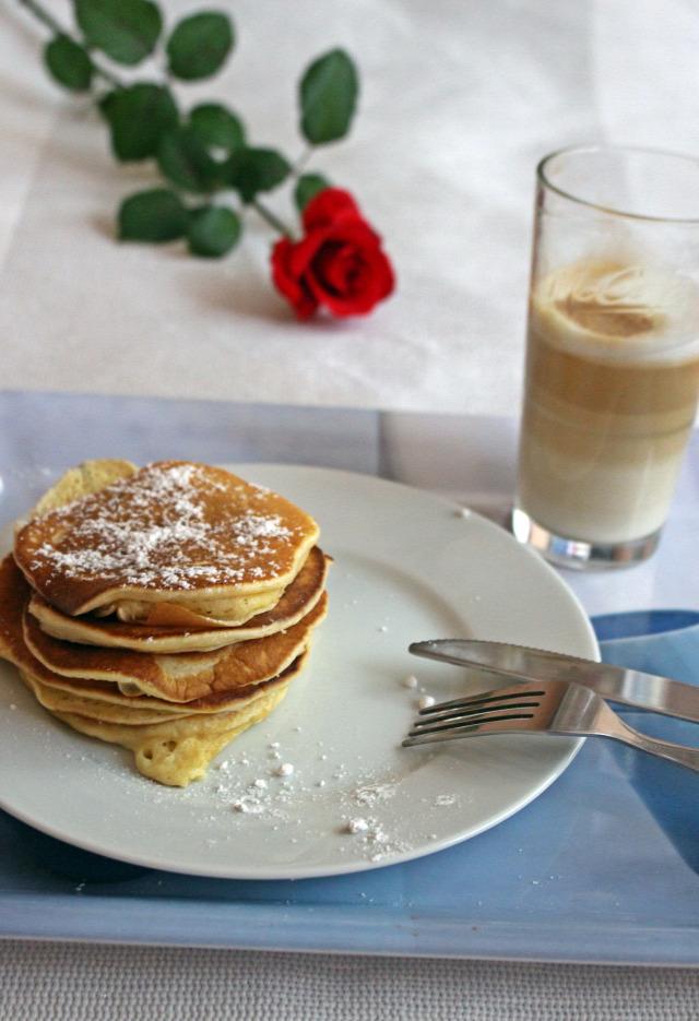 palacsinta ráérős reggelik tojás tejföl cukor liszt édességek