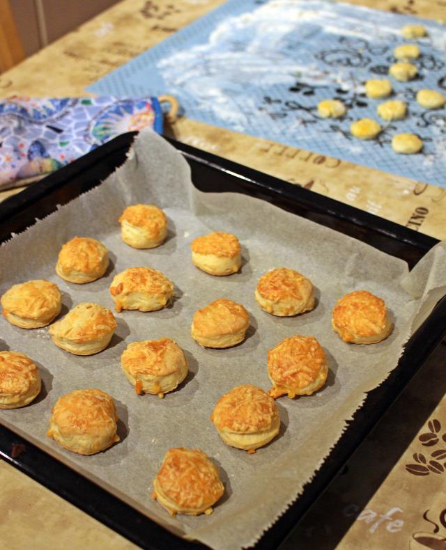 karácsony vendégvárók sós aprósütemények adventi naptár aprósütemények pogácsa rugelach csiga leveles tészta advent