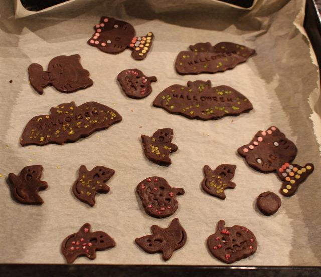 halloween tök tökfaragás liszt cukor kakaópor sütögetés gyerekek vendégvárók édességek tojás vaj