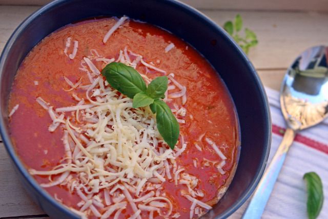 paradicsom leves hagyma fokhagyma fincsi ebédek bazsalikom oregánó zöldfűszer