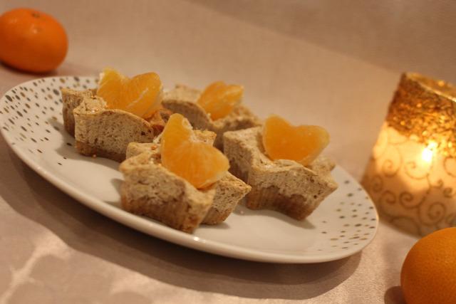 sajttorta cheesecake mascarpone krémsajt narancs mandarin dekorcukor keksz fahéj ánizs szegfűszeg tejföl tojás vaj advent adventi naptár karácsony
