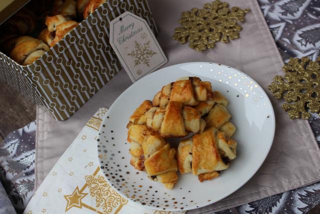 rugelach karácsony advent adventi naptár narancs kandírozott narancs csokoládé étcsokoládé csoki étcsoki narancslekvár ráérős reggelik édességek vaj mascarpone cukor liszt