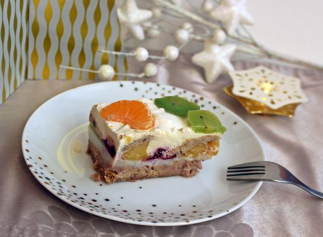 gesztenye darált keksz puding habtejszín cukor tej narancs mandarin meggy joghurt kivi édességek