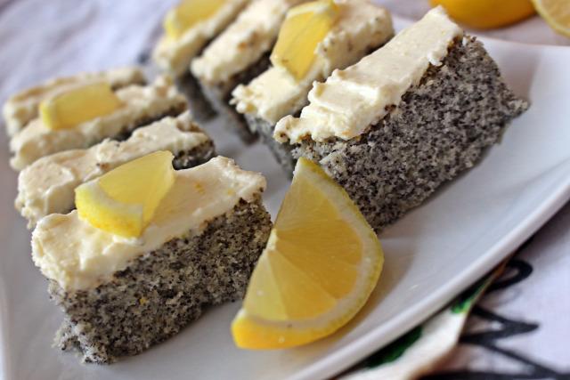 mascarpone citrom édességek mák liszt tojás tej cukor sütőpor vanília vanília aroma porcukor vaj