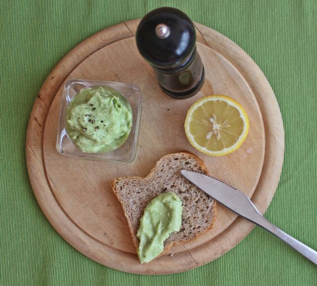 avokádó joghurt lime citrom fokhagyma ráérős reggelik