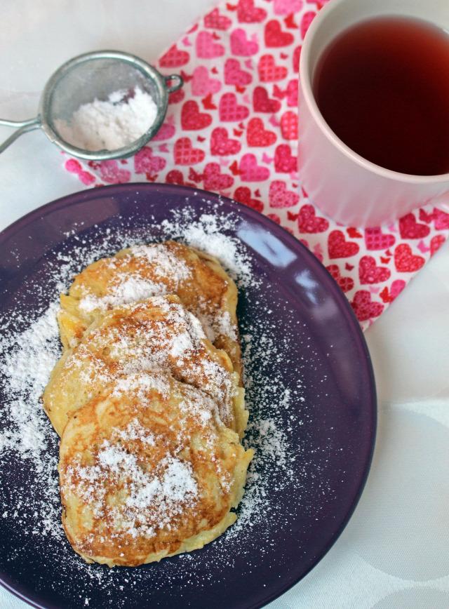 alma palacsinta ráérős reggelik liszt élesztő kelttészta cukor tej tojás