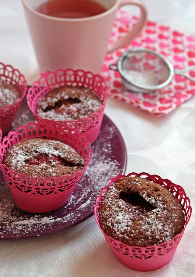 eper gyors muffinok édességek kakaó kakaópor liszt cukor sütőpor tejcsoki tejcsokoládé csoki csokoládé vaj tojás