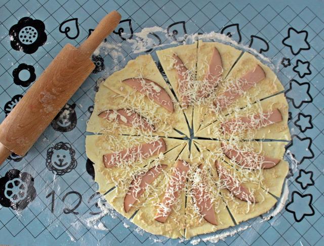 rugelach liszt vaj krémsajt tojás torma sonka sajt vendégvárók