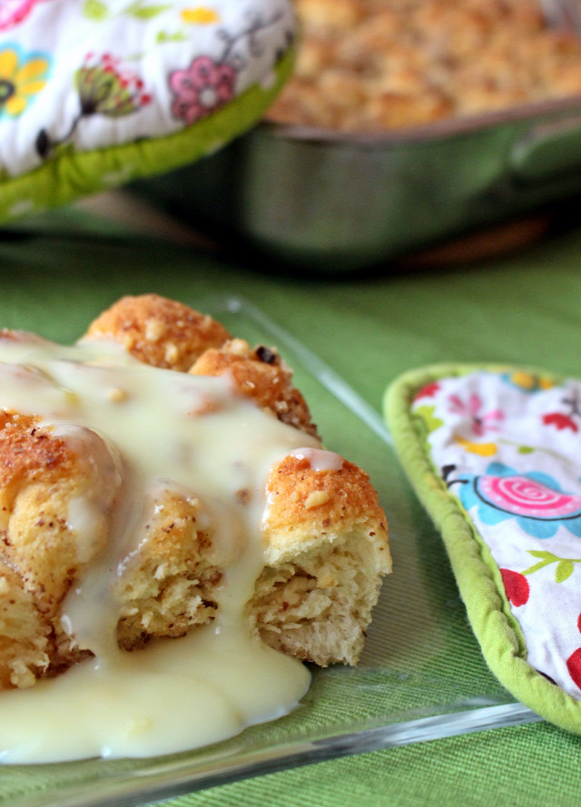 liszt vaj élesztő tej dió cukor tojás édességek kelttészta aranygaluska