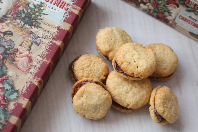nutella mogyoró mogyorókrém vaj liszt porcukor édességek keksz