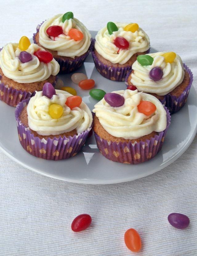gyors muffinok édességek muffin eper vanília puding tejszín húsvét tojás