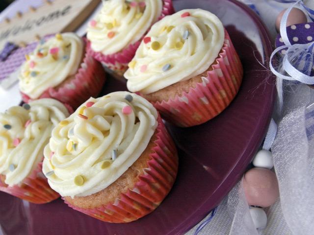Gyors muffinok málna mascarpone fehércsoki