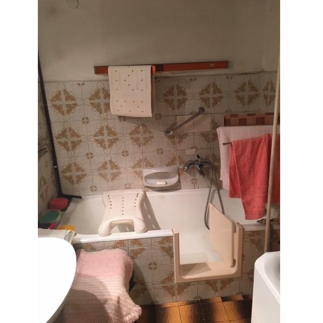 fürdőszoba ajtós kád kád ajtóval fürdőkád akadálymentes fürdőkád 2019 Magyarország Ingatlanműhely