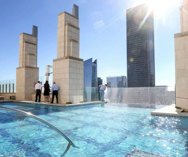 újlakáspiac lakáspiac építészet magasházak modern társasházak Market Square Tower Houston Texas USA Ingatlanműhely