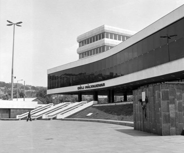 déli pályaudvar építés buda 45 éves egyetem testenvelési olimpia építészet vasút archichat mizsei anett