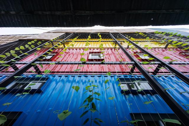 építészet olsó fém cementlap délkelet ázsia vietnám különleges hotel hostel szállás kendik géza mezei dániel archichat család nyaralás tenger