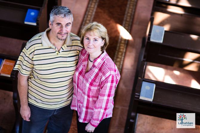 Fehérvárcsurgó Fejér megye programozó asszisztens webszerkesztő szerelő házaspár