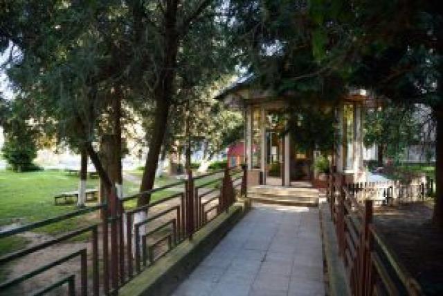 Ungvár tájak temető kert