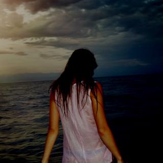 Az alvaj�r� n� �szott egyet a tengerben