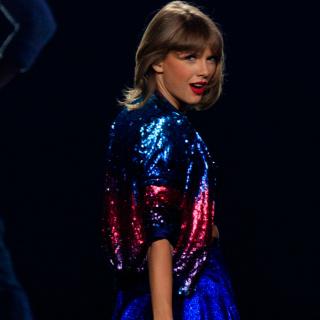 Taylor Swift kin�zet�t men� ut�nozni
