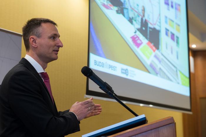 Dabóczi Kálmán Tarlós István bérlet Budapest magazin informatika internet BKK közút gyorsvasút villamos tarifa botrány T-Systems bűnügy