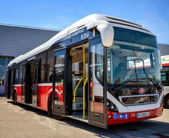 Budapest busz közút Tarlós István hibrid BKV Volvo