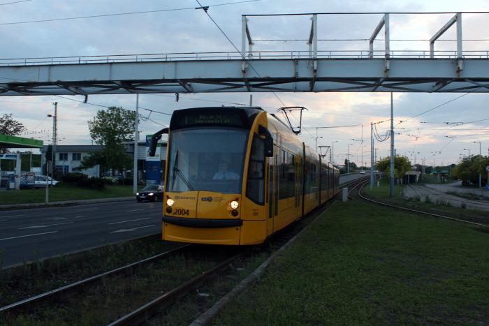 villamos Combino Futár utastájékoztatás Budapest BKK biztonság