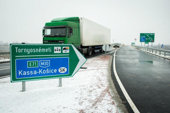 közút útépítés Szlovákia Miskolc Kassa M30 autóút határ beszerzés EU Homolya Róbert NFM NIF