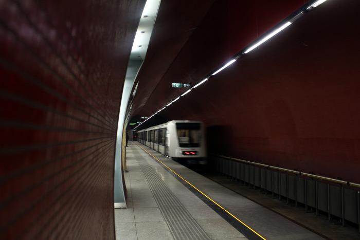 gyorsvasút metró 2-es metró 4-es metró Budapest éjszaka Vitézy Dávid BKK