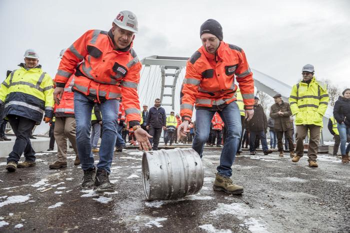 útépítés közút Győr híd Strabag