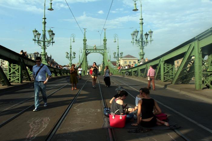 villamos híd Budapest közút kerékpár gyalog gyorsvasút busz 4-es metró