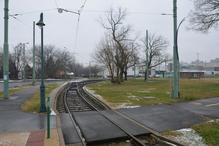 vasút villamos Szeged Hódmezővásárhely tram-train vasútvillamos vonatvillamos beszerzés fejlesztés Swietelsky Stadler Strabag EU építés NIF