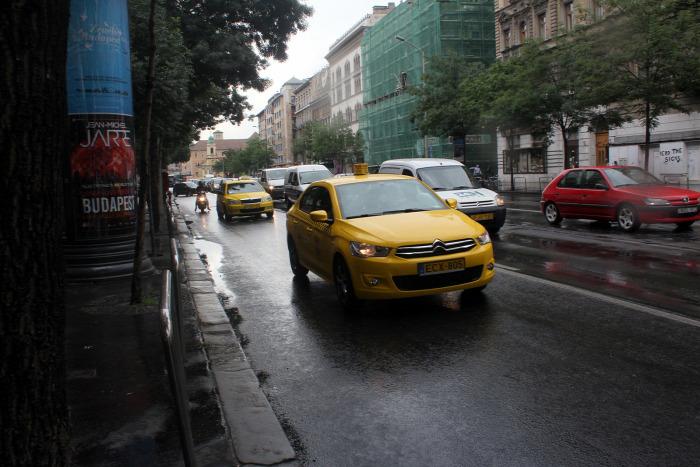 Budapest Tarlós István közút taxi Nemzetgazdasági Minisztérium magazin