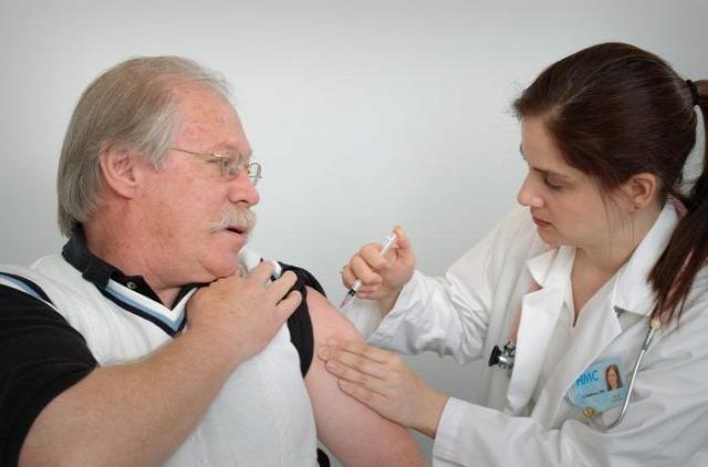 ingyenes védőoltás influenzás megbetegedés influenzaszezon influenza elleni védőoltás védőoltás vakcina