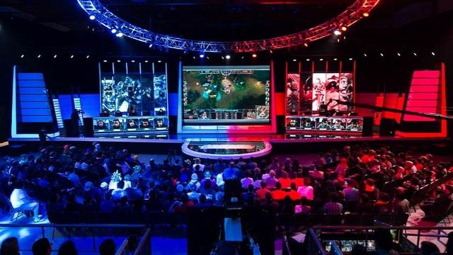 addikció e-sport bajnokság játékfüggőség keret gyerekeknek League Of Legends NBA online játék playIT szülőknek pedagógusoknak videókonzol virtuális valóság