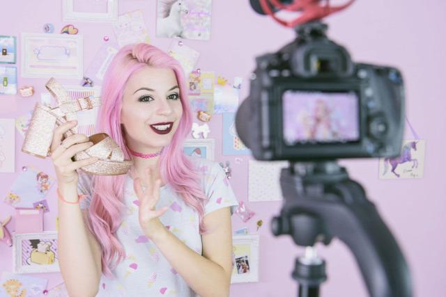 kütyü kamaszok influencer youtuber Instagram sztárok