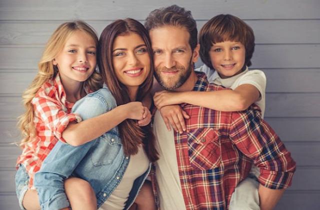 nevelés pozitív szülőség dícséret motiváció szülői kommunikáció önérvényesítés vita szülő gyermek között határok betartása minőségi idő szülőknek