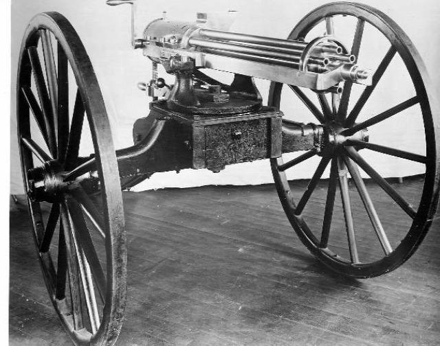 fegyver gatling-géppuska haditechnika földön levegőben