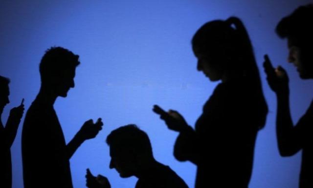 szégyen facebook közösségi oldal osztálytalálkozó