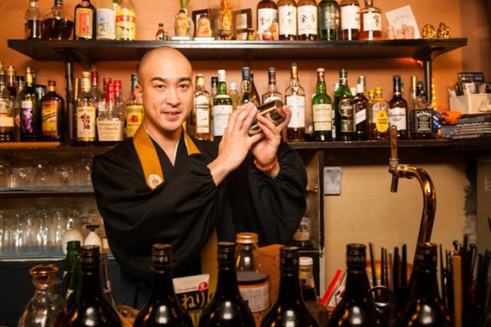 japán szerzetes zazen mindfullnes buddhizmus lelki béke mentális egészség egészség kultúra