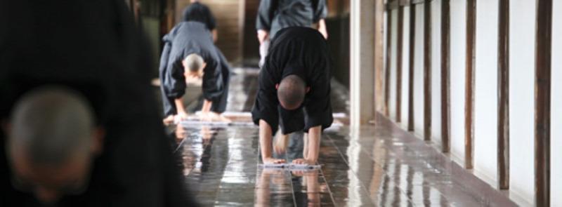 zazen meditáció japán felmosás rizskása japán szerzetes