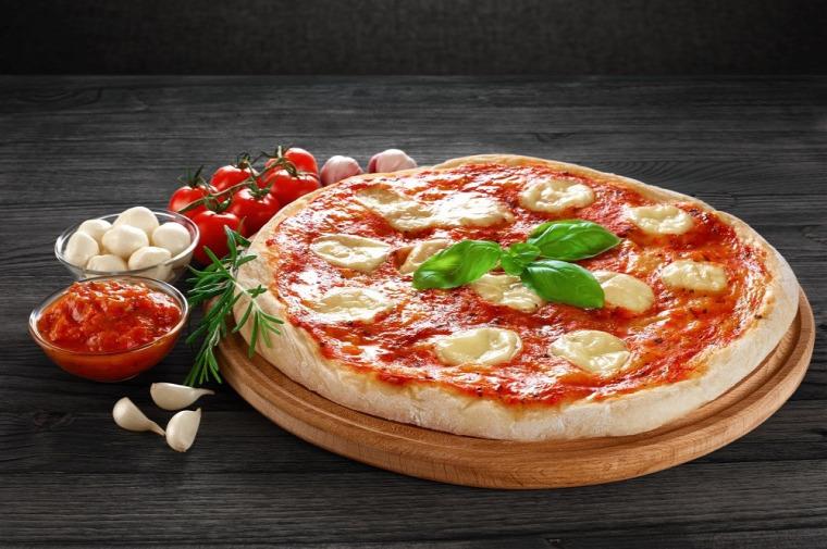 pizza olasz Olaszország Napoli eredet recept energia pizza egészség