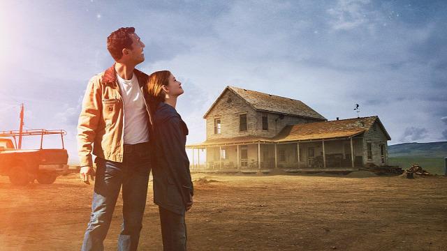 Interstellar Christopher Nolan Matthew McConaughey Matt Damon Anne Hathaway Kip Thorne Gargantua  Csillagok Között
