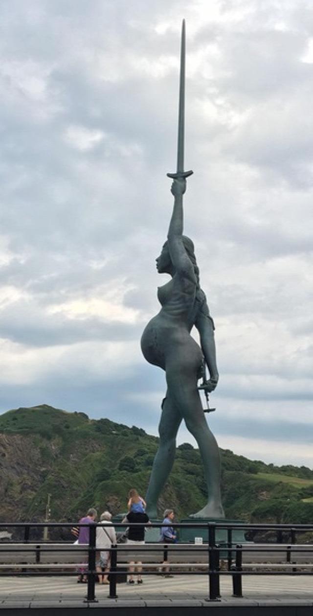 szobor szobrász hihetetlen elképesztő