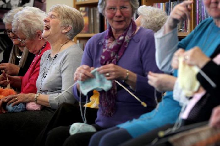 Hírek kötés demencia Alzheimer-kór stressz stresszoldás szorongás figyelemhiány összpontosítás hiperaktivitás Hivert-Klokner Zsuzsanna