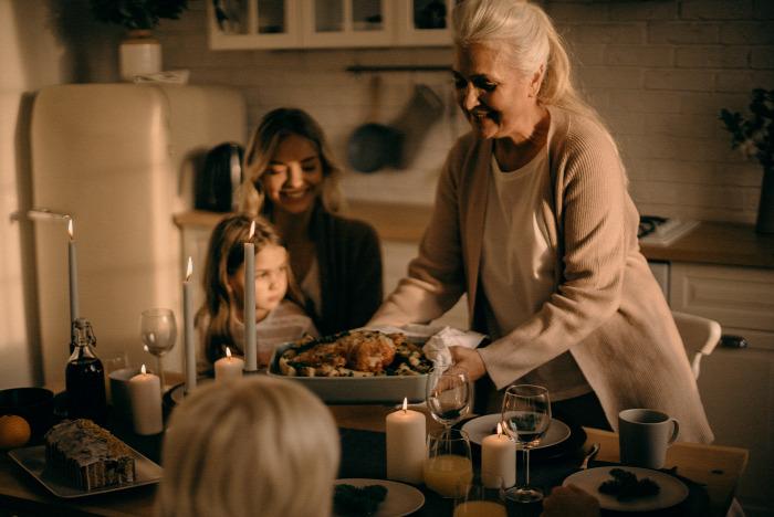 tudatos rágás  tudatos evés mindfulness karácsony Tanács evéspszichológia családi vita nassolás falásroham