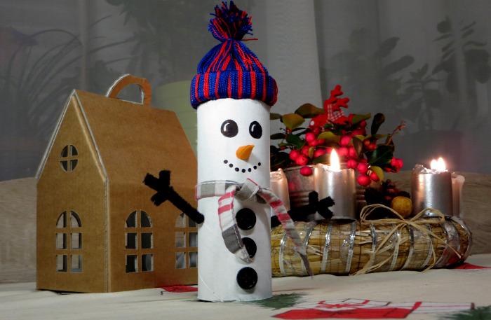 könnyű olcsó hóember karton tél kreatív DIY újrahasznosítás recycle együtt dekoráció gyerekekkel